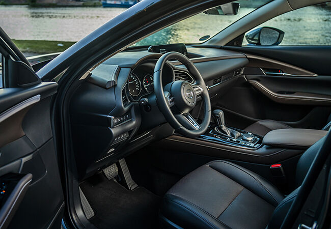 Mazda CX-30_Interior_Machine grey_2.jpg